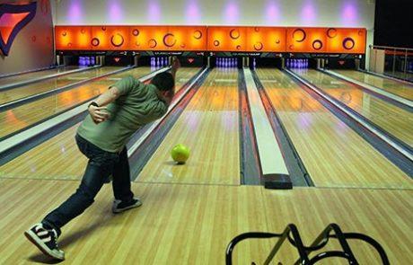 Bowling at Wentworth
