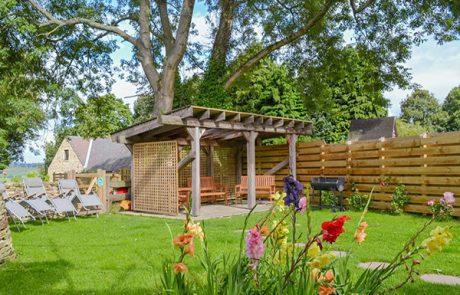 Dale Manor private garden